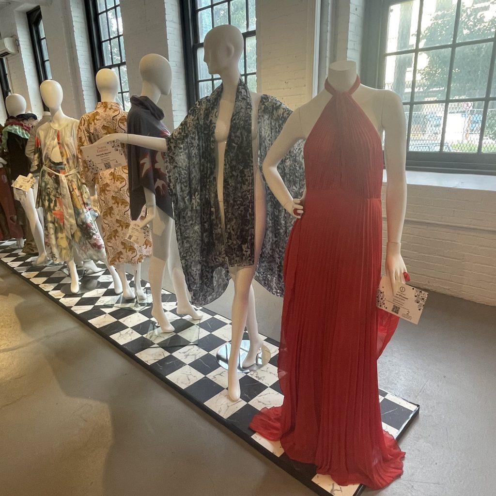 ILLUME exhibit garments; © Manic Metallic 2021